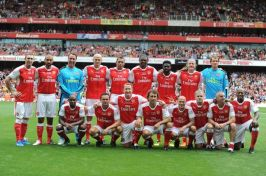 Arsenal-Legends-v-Milan-Glorie